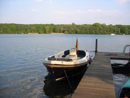 Steg des Hotels Fährhaus am Kalksee