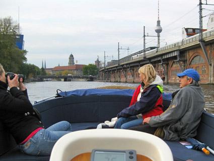 Neue Perspektiven: Berlin mit der Sloep erkunden